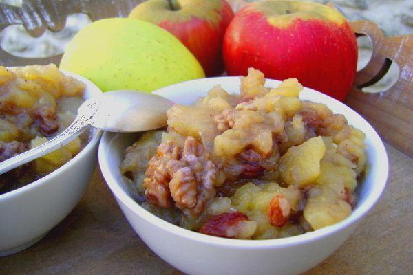 Compote de Pommes, aux Raisins Secs, Noix et Miel