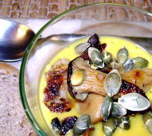 Soupe d'Automne – Potiron, Courgette, Champignons et Graines de Courge