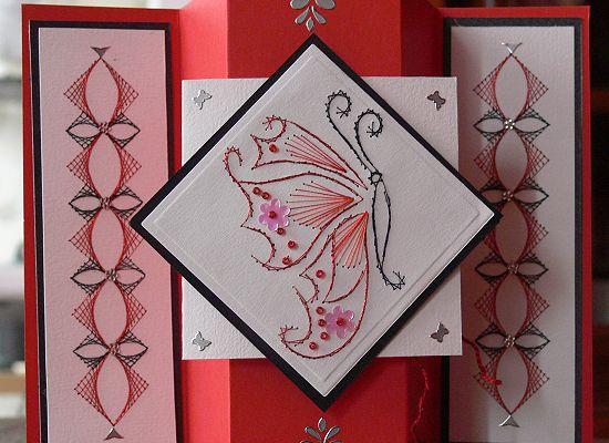 Carte rouge et noire Papillon
