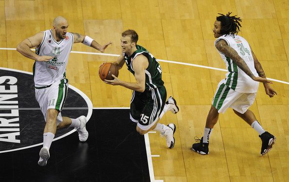 Memphis Grizzlies officially sign Nick Calathes
