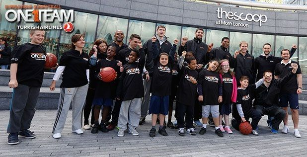 Final Four opens with One Team get together in London!