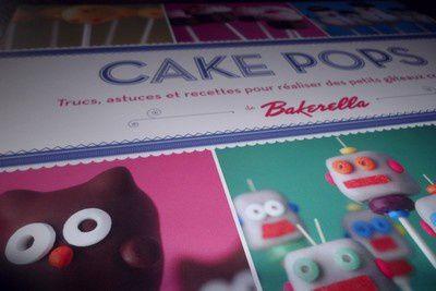 Premier article et deux essais de cake pops.