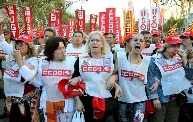 Grève générale massivement suivie en Espagne: 10 millions de grévistes et 1,5 million de manifestants expriment leur colère contre les mesures anti-sociales du gouvernement Zapatero