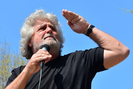 En Italie, Beppe Grillo fulmine contre la Fête des travailleurs, après l'échec de sa « marche sur Rome »