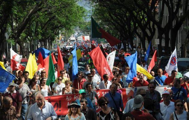 Des dizaines de milliers de travailleurs portugais dans la rue ce 8 juillet à l'appel de la CGTP-IN contre le gel des salaires et la casse des services publics