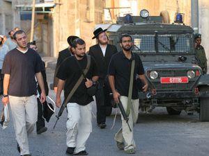 L'armée israélienne arme et entraîne les colons Israéliens à la répression contre la population Palestinienne, révèle le quotidien israélien Haaretz