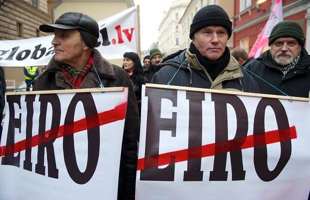 Une majorité de Lettons contre l'entrée de leur pays dans l'Euro