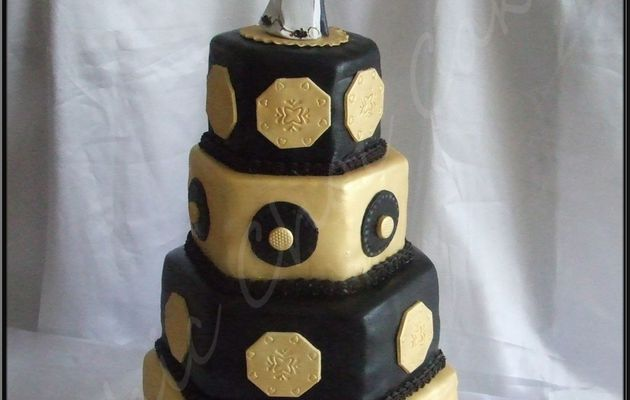 Un wedding cake or et argent....