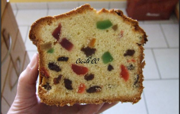 Cake fruits confits et raisins secs....