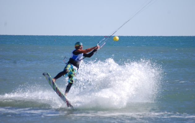 Images des Juniors au Championnat de France de Kite Freestyle