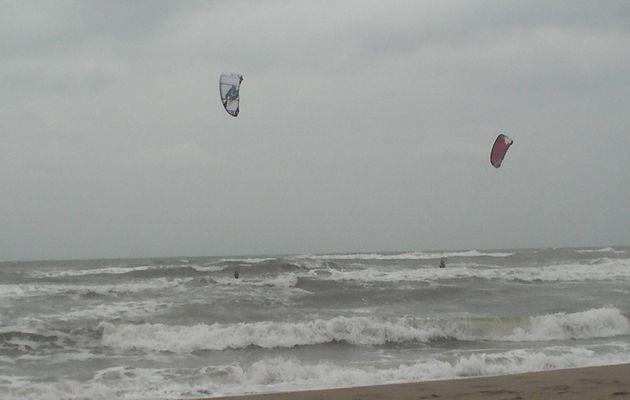 Spot de vagues par Sud-Est.