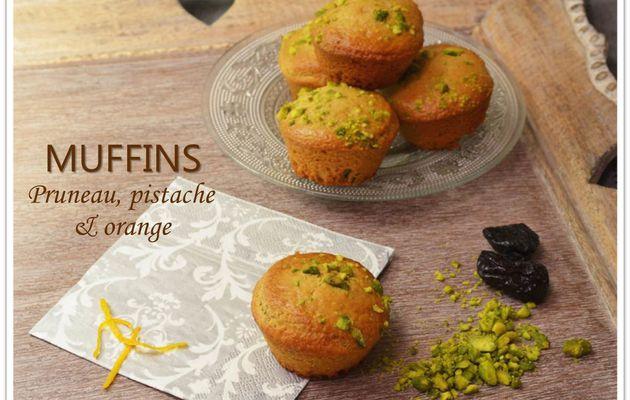 Muffins pruneaux, pistaches et orange