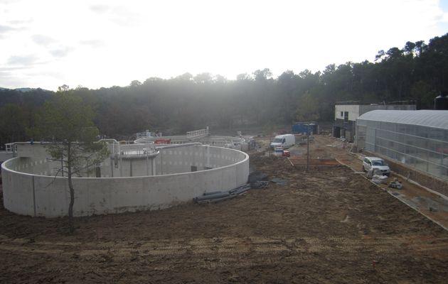 (1) La nouvelle station d'épuration (STEP) de Lorgues.
