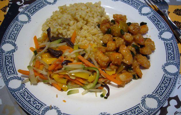 Wok express façon Pekin : crevettes, pistaches, mirabelle et sauce Pénélope