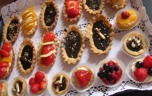 Tartelettes aux fruits et chocolats