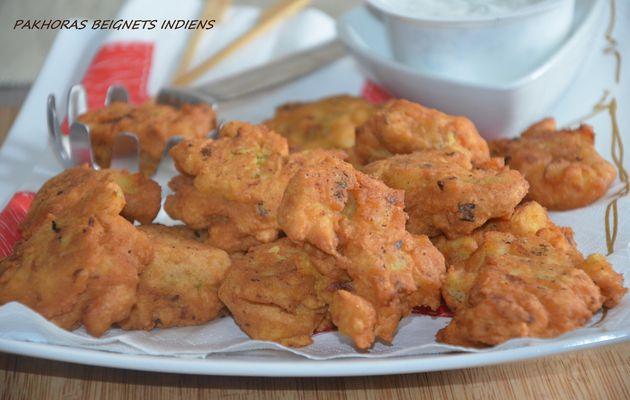 Pakhoras de pommes de terre petits beignets indiens