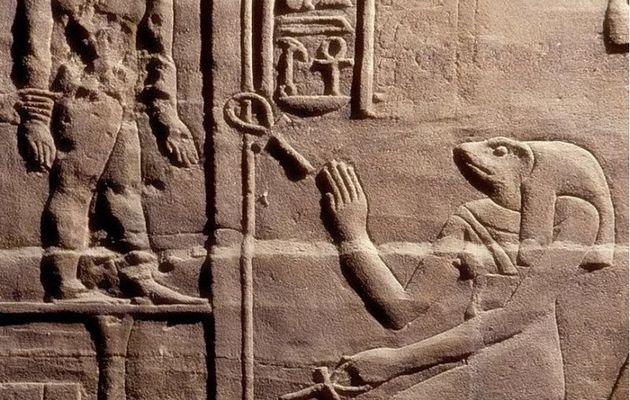 Voici un témoin vivant de la naissance du monde : de curieuses relations familiales ! (2)... en Égypte ancienne !