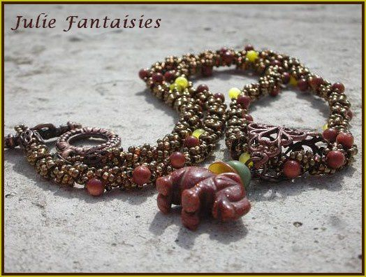 Collier Elephant Goldstone