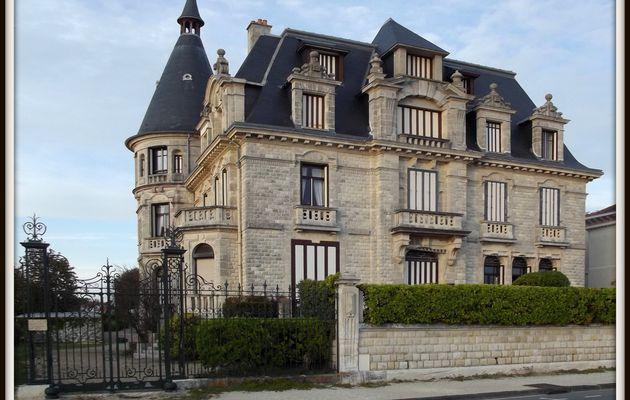 Les villas de la plage de Vallières (2)