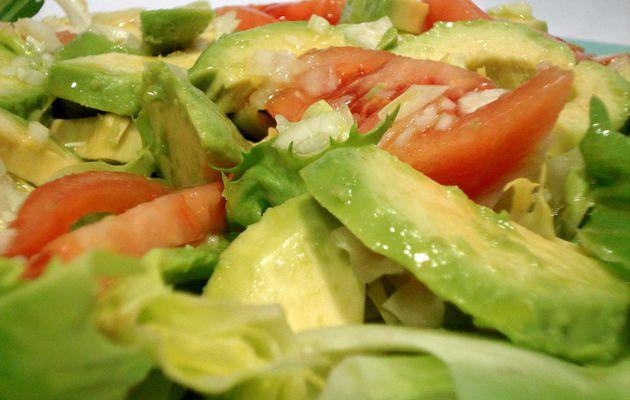 Ensalada de Aguacate y Tomate para estos días de calor