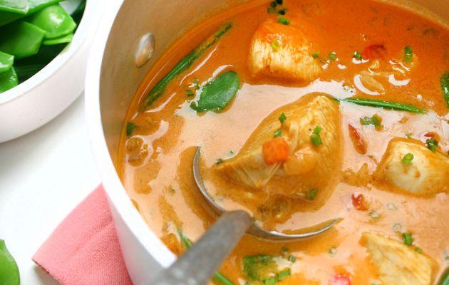 Recette n°201 : Curry rouge de poulet aux pois gourmands