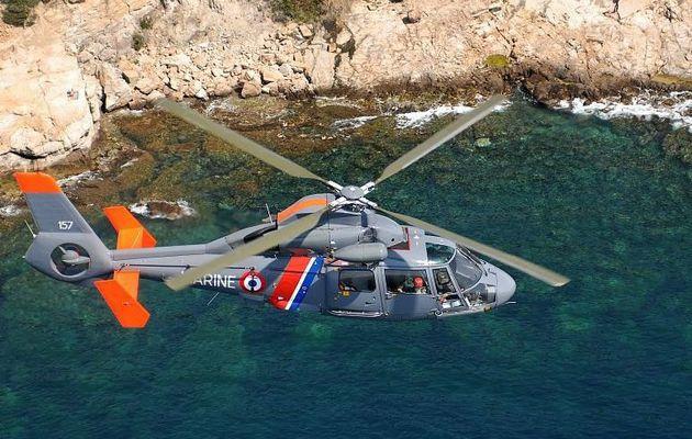 Evacuation sanitaire à bord d'un voilier au large de Toulon (83)