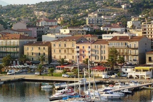 Attentat manqué contre un bateau dans le port de Propriano (2B)