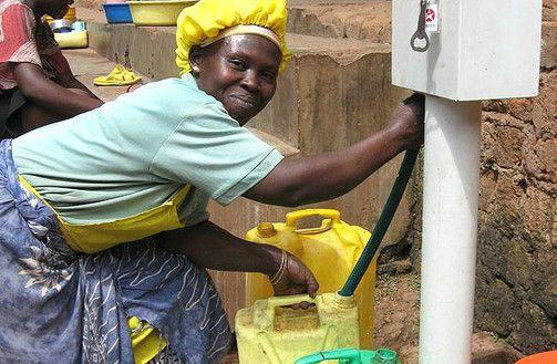 Découvrez l'homme qui a aidé 4 millions de personnes à avoir accès à l'eau potable en seulement 2 ans