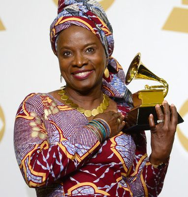 [MUSIQUE] GRAMMY AWARDS : ANGÉLIQUE KIDJO REMPORTE SON SECOND GRAMMY AWARDS!