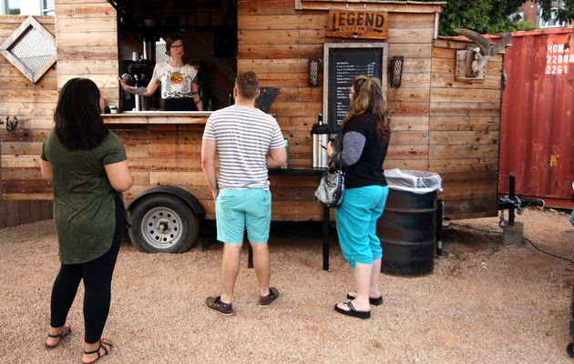 5-Hour Line Turns Barbecue Pilgrims Into Cash Cow...