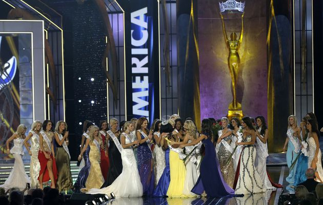 Crowning Miss America 2014 (Photos)