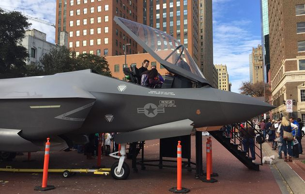 #DonaldTrump's F-35 tweets have Fort Worth on edge...