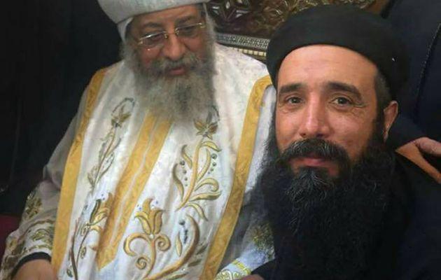 Le Caire, la religion de paix et d'amour a massacré un prêtre