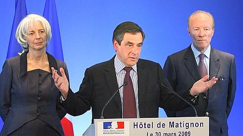 FILLON ENCADRE LES CONDITIONS DE REMUNERATION DES PATRONS