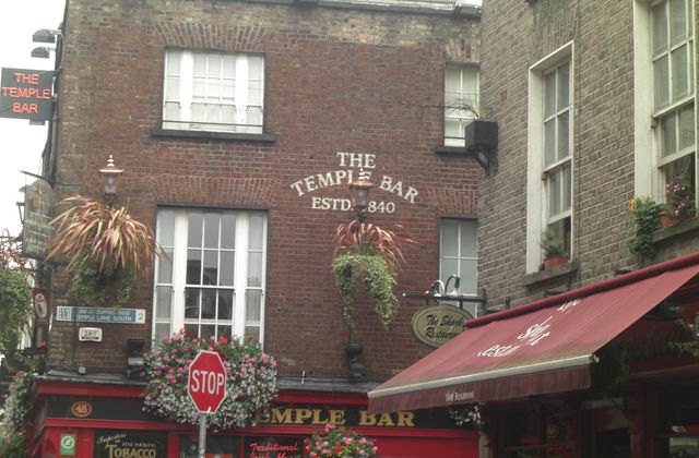 J+24 : Temple bar à Dublin