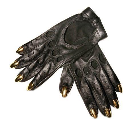 Les gants hardcore-chic Dominic Jones chez Lescarpin