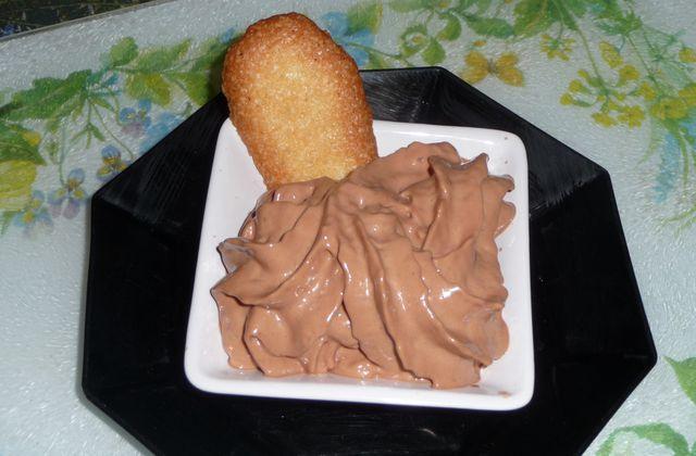 Cuisine moléculaire : Chantilly de Nutella et langue de chat