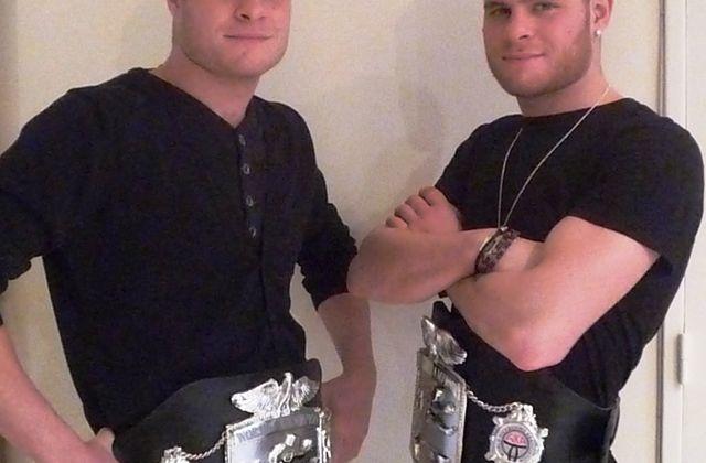 Cédrick et Michaël PEYNAUD – Champions du monde de Kick-boxing….