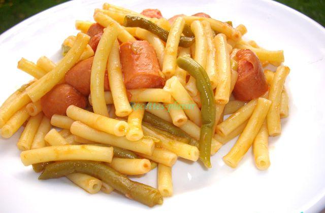 Macaronis saucisses haricots verts