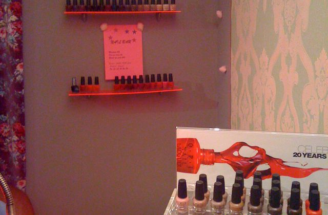 Nail bar chez BLUSH NOISETTE
