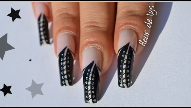 Nail Art Corset - Dark & Sexy