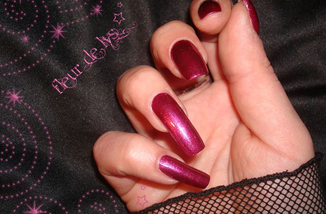 Vernis rose fonçé Miss Europe