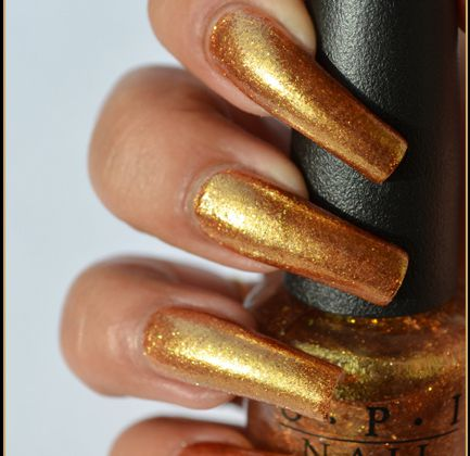 OPI - GoldenEye ( Skyfall Collection ) + Concours