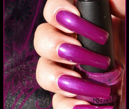 OPI Plugged-in-plum EDIT ( Brights Collection )