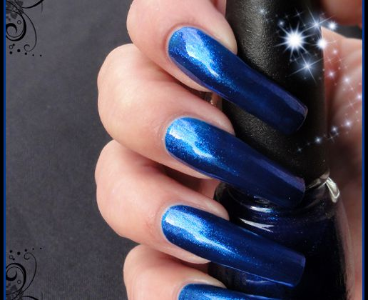 China Glaze Blue year's eve ( Let it snow Collection )