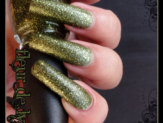 China Glaze It's Alive ( Haunting Halloween ) + tirage 10/15