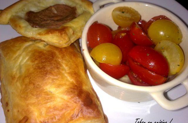 Friand au fromage et salade de tomates cerises !