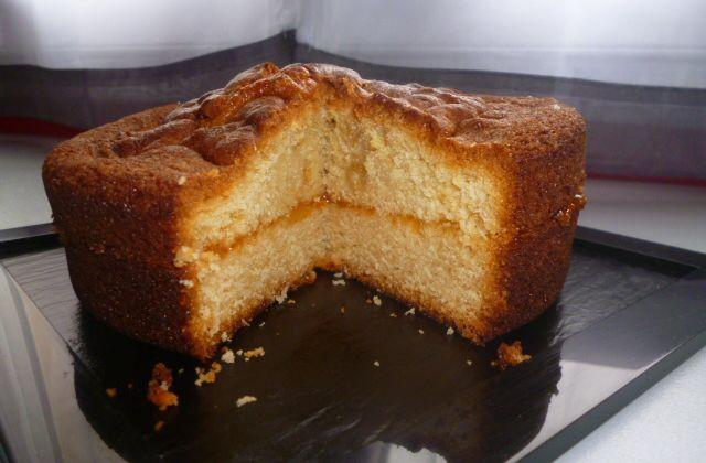Gâteau au yaourt à la confiture d'abricots