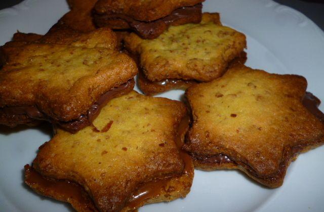 Petits sablés Gavottes fourrés caramel beurre salé :)