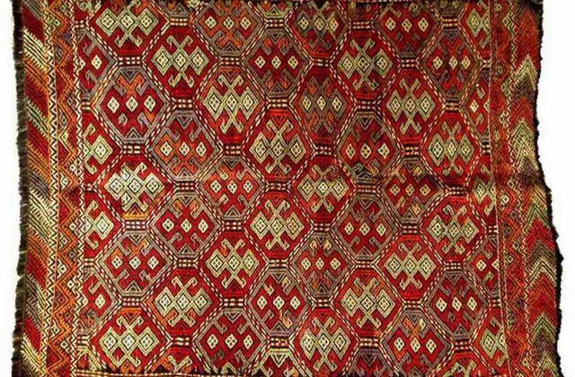 Tapis rouge garance art design - Kilim ancien ...
